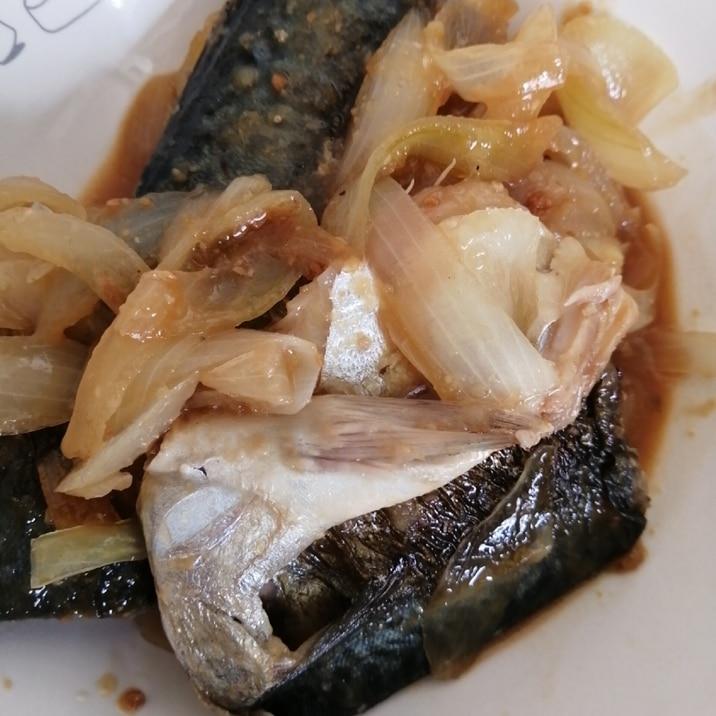 玉ねぎとサバの味噌煮