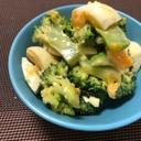 半熟卵とブロッコリーのオイマヨサラダ