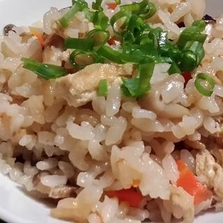 油揚げと野菜だけで美味しい炊き込みご飯