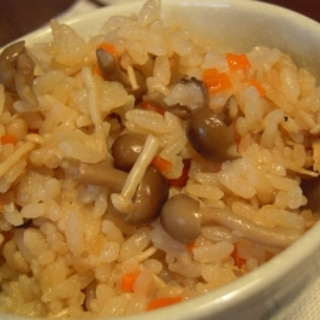 昆布の旨味*きのこ炊き込みご飯