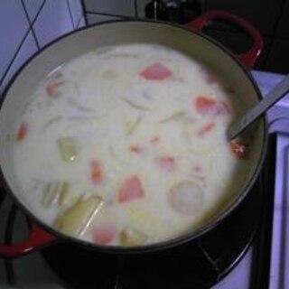 ルー不要!鶏がらスープでホワイトシチュー