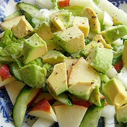 ドレッシングは不要❤アボカド&白菜&林檎のサラダ♪
