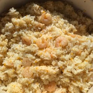 土鍋で炊いたエビピラフ