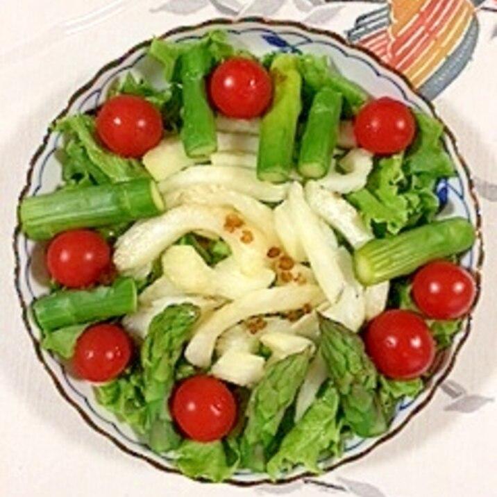 リーフレタス 、アスパラのサラダ