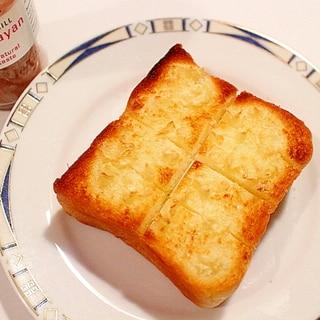 【大人のおつまみ】大満足のガーリックトースト