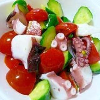 簡単♪タコとキュウリとミニトマトのサラダ