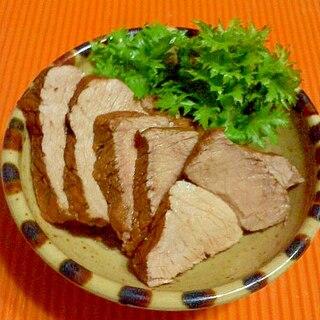 豚もも肉でチャーシュー。コーラ煮♪