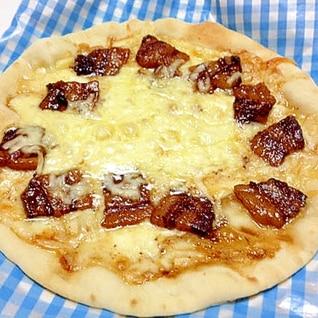残った豚の角煮でピザ