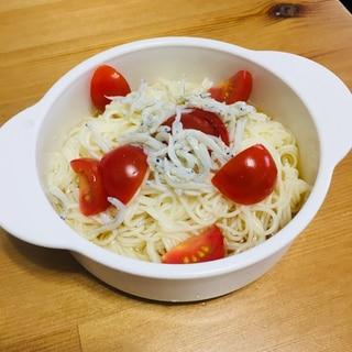 2歳のお昼ご飯☆トマトとしらすのそうめん