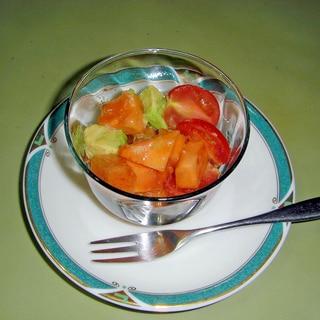 柿とアボガドのサラダ