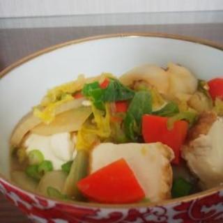 味噌味の厚揚げと野菜の蒸し煮料理