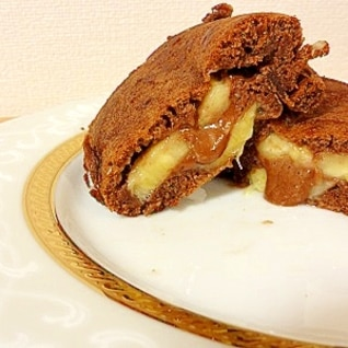 卵焼き用フライパンでホットケーキ(ココア+バナナ)