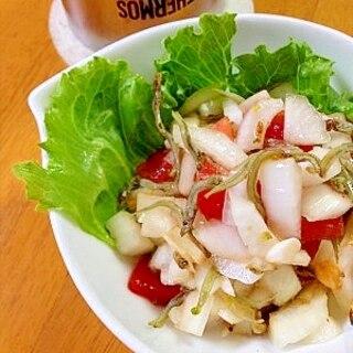 新玉ねぎとトマトの香ばしすぎる和風サラダ