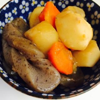 里芋とニンジンとこんにゃくの煮物☆