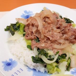 スタミナ!(^^)豚肉と冷凍小松菜の生姜焼き丼♪