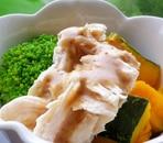 鶏肉とかぼちゃの温野菜サラダ