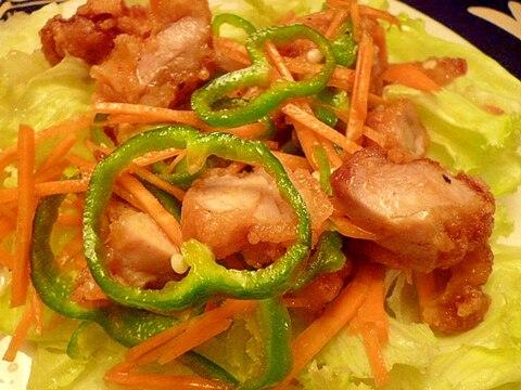 鶏唐揚げのカレー風味サラダ