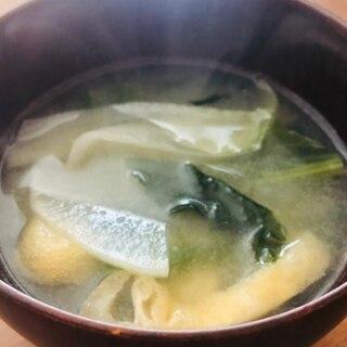 薄揚げと野菜とあおさ海苔のお味噌汁