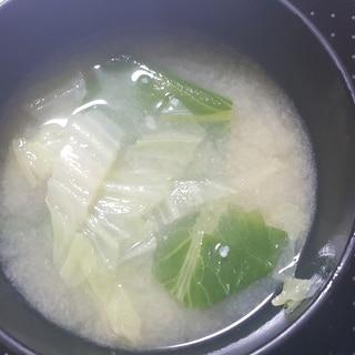 白菜と小松菜のお味噌汁