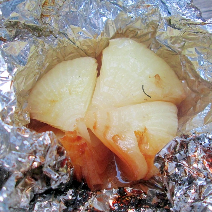 BBQに☆玉ねぎの丸焼き(アルミホイル包み)