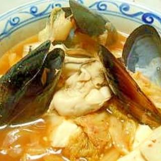 ムール貝とカキのエスニックスープ