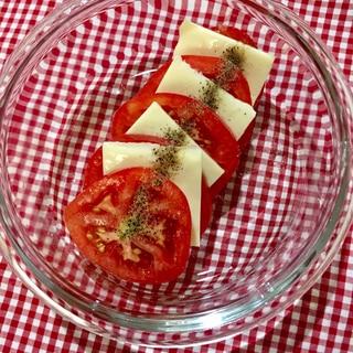 トマトとスライスチーズのカプレーゼ風サラダ♡
