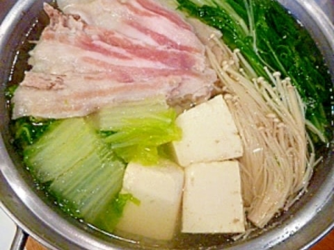 ポン酢でアッサリ♪豚バラと水菜の☆水炊き鍋