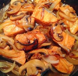 生鮭とマッシュルームと玉ねぎの照り焼き