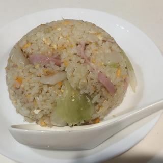 【簡単レシピ】シンプル♪ハムとレタスの卵チャーハン