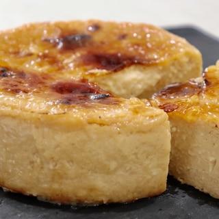 混ぜて焼いたら塩キャラメルチーズケーキ