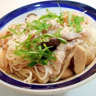 豚ロースとしめじと大葉の素麺チャンプルー