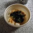 海苔の佃煮で味付け☆モロヘイヤと鰹節のご飯