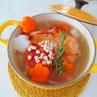 風邪や肌荒れに★生姜はと麦チキンスープ