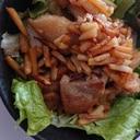 タケノコと鶏もものピリ辛ケチャップ炒め