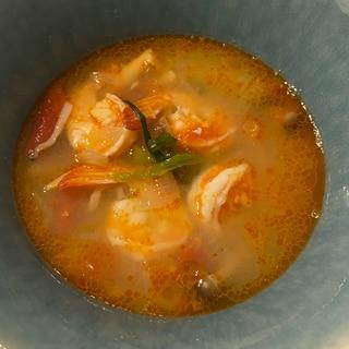 主夫がつくる豆板醤とお酢でトムヤムクン風スープ