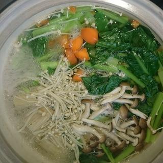 きのこが入って旨味が⤴️家の余り食材東のまるごと鍋