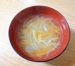 玉ねぎと人参とえのきの中華スープ