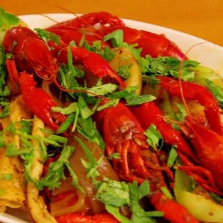 #5「麻辣小龙虾」(ザリガニの麻辣炒め)