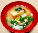 毎日のお味噌汁112杯目*ホウレン草と椎茸、厚揚げ