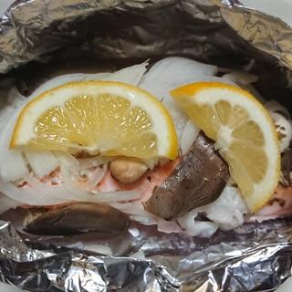 鮭とイカのホイル焼き