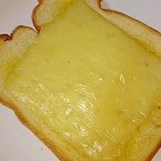 スライスチーズで簡単‼ガーリックチーズトースト