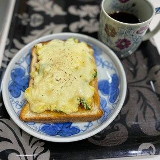 ポテサラとカレーが余ったら、超簡単リメイクトースト