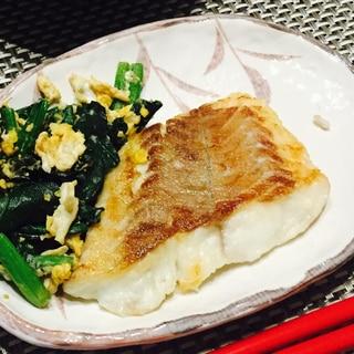 鯛のムニエル~卵とほうれん草のソテー添え~