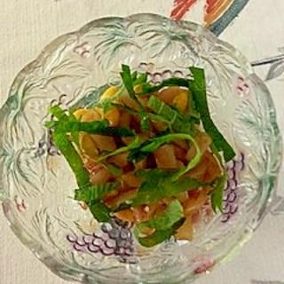いか、銀杏水煮の和え物に大葉
