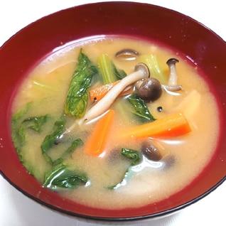 小松菜とシメジのお味噌汁