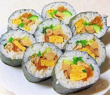 行楽やお弁当、恵方巻に素朴な太巻き寿司