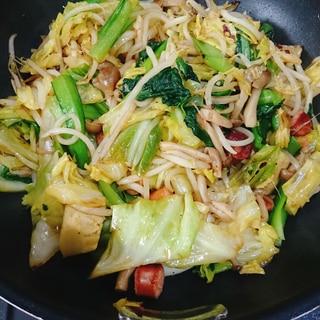焼肉のたれと唐辛子でピリ辛野菜炒め