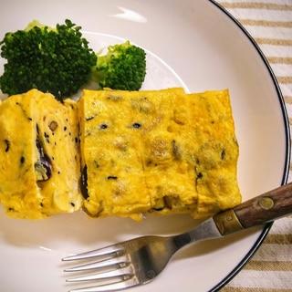 ひじき煮とサラダ豆の卵焼き