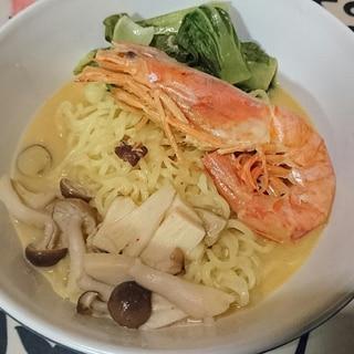 カルディ食材でトムヤムクンヌードル