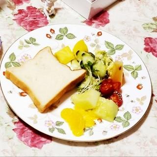 お気に入りのパン & メロン★*☆幸せカフェ★*☆
